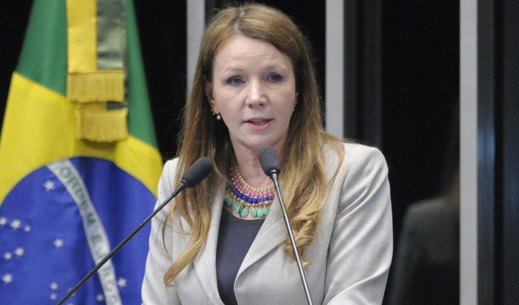 Plenário do Senado Federal durante sessão deliberativa ordinária.   Em discurso, senadora Vanessa Grazziotin (PCdoB-AM).   Foto: Edilson Rodrigues/Agência Senado