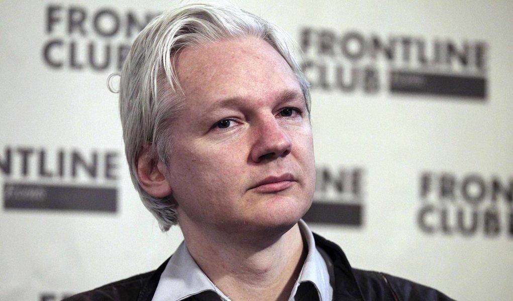 Baltasar Garzón comandará defesa de Assange e do Wikileaks