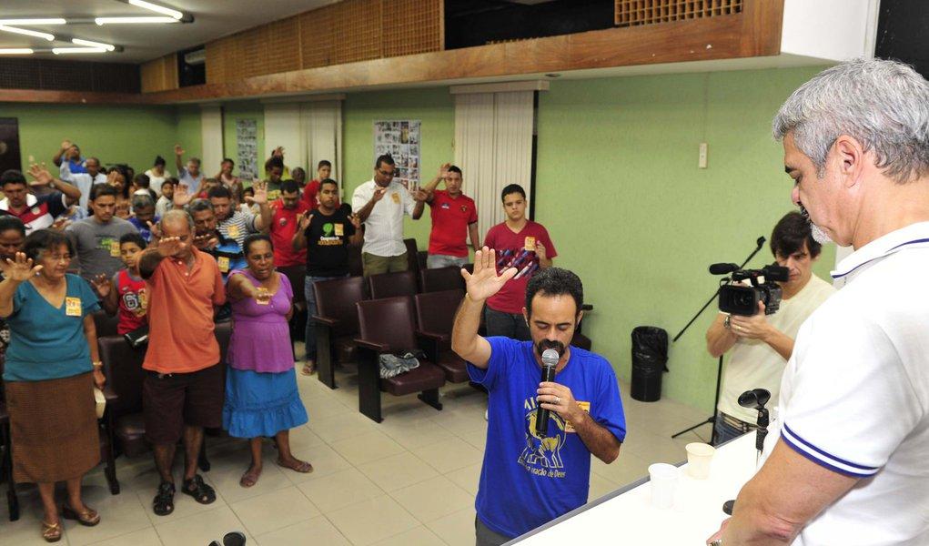 Humberto atrás do apoio dos evangélicos