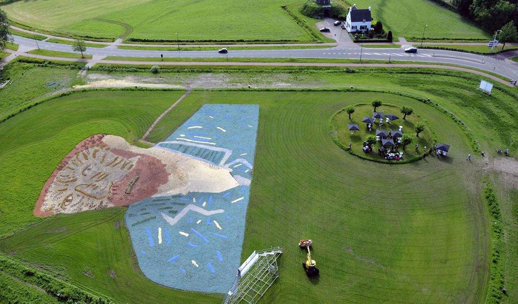 Holanda homenageia pintor Van Gogh com retrato gigante