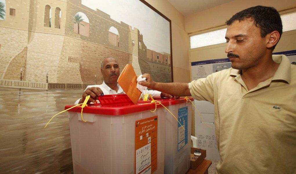 Líbia tem eleição histórica e registra 60% de participação