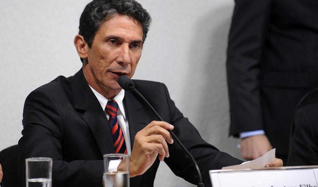 Prefeito de Palmas (TO) oferece quebra de sigilos à CPI