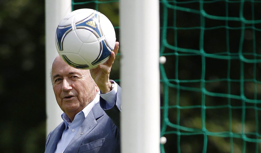 Fifa libera chip na bola para definir gols no futebol