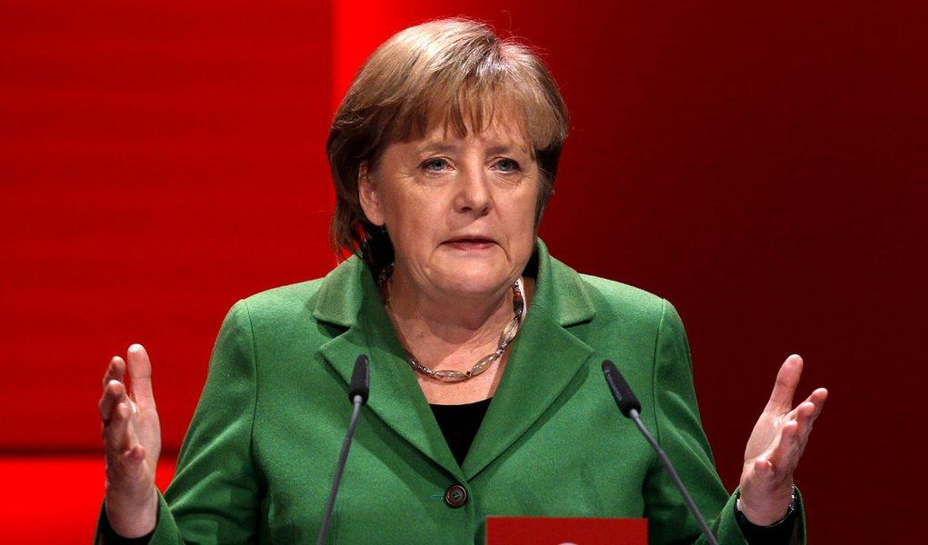 Merkel perde governo de coalizão no Estado do Norte