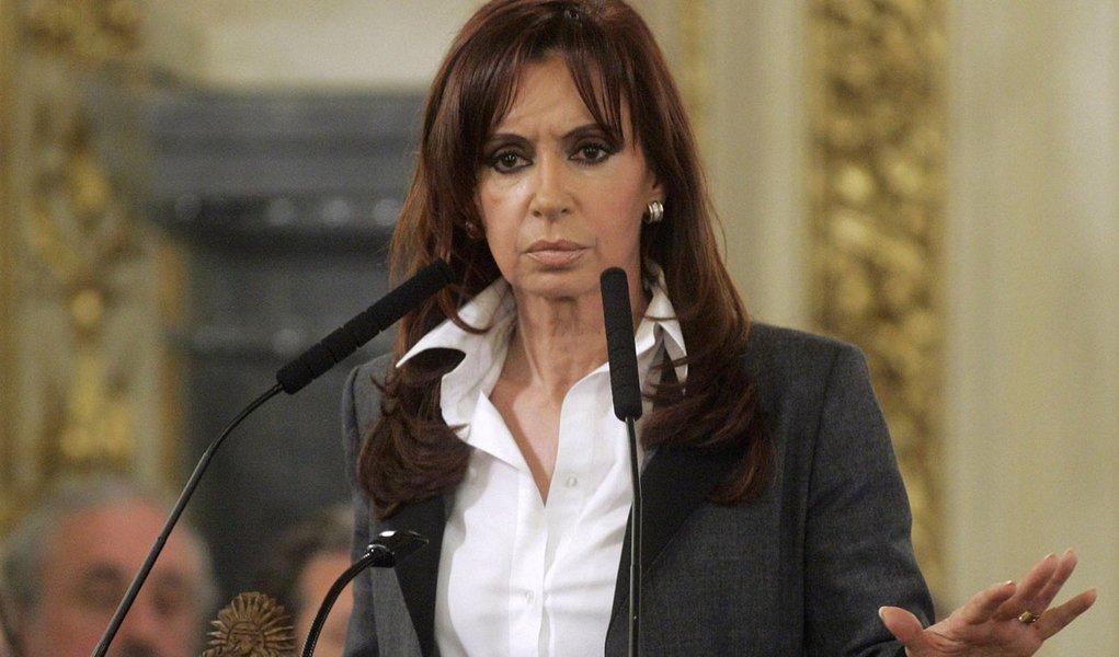 Kirchner quer acesso às Malvinas com voos de Buenos Aires