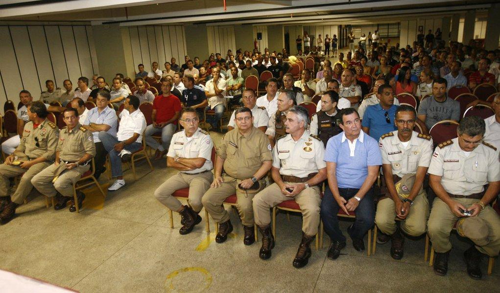 Oficiais da PM não aderem à greve na Bahia