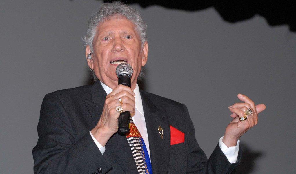 Cantor Tinoco morre aos 91 anos