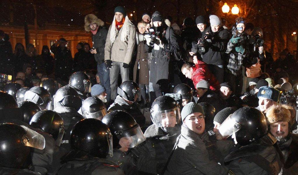 Ativistas anti-Putin enfrentam tribunais
