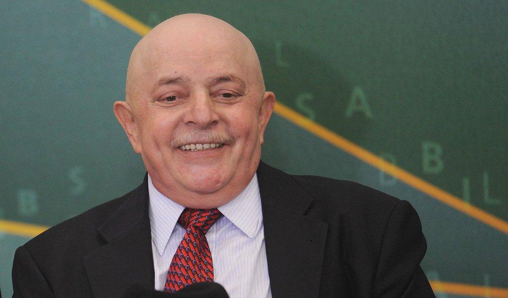 Lula passa por 30ª sessão de radioterapia contra câncer