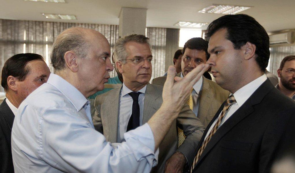 Mesmo sem unanimidade, PSDB adia prévias para 25 de março