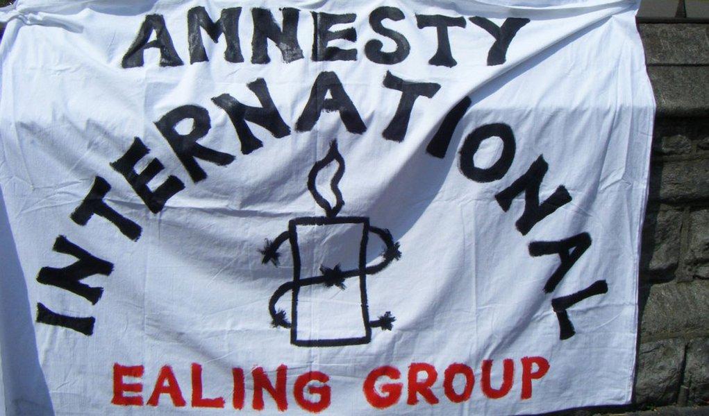 Anistia acusa China, Síria, Cuba e Azerbaijão de torturar blogueiros
