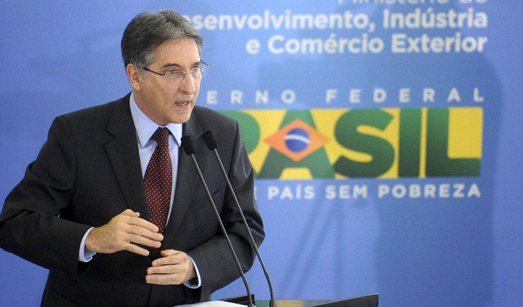 Pimentel confirma fábrica da Foxconn em Minas Gerais
