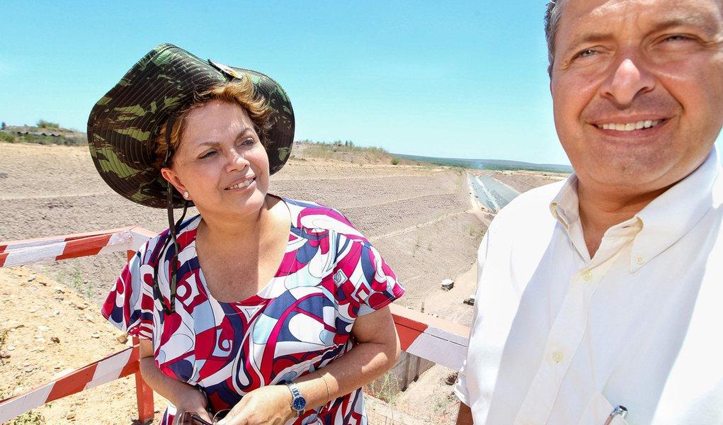 Eduardo Campos quer Dilma olhando a seca de perto