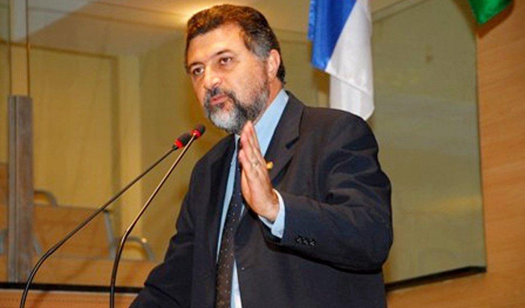 Múcio Magalhães é o novo líder do PT na Câmara