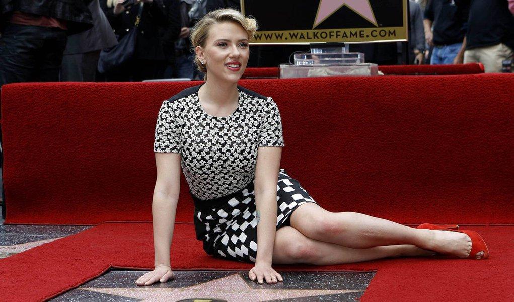 Scarlett Johansson ganha estrela na Calçada da Fama
