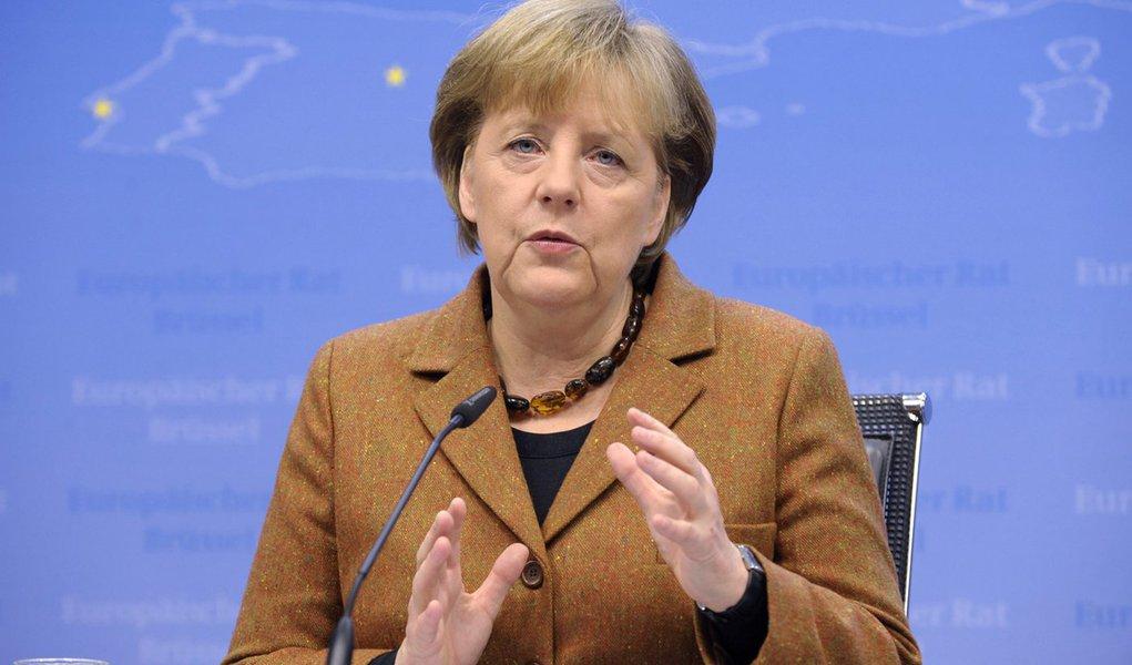 Merkel precisa de maioria para aprovar pacto fiscal