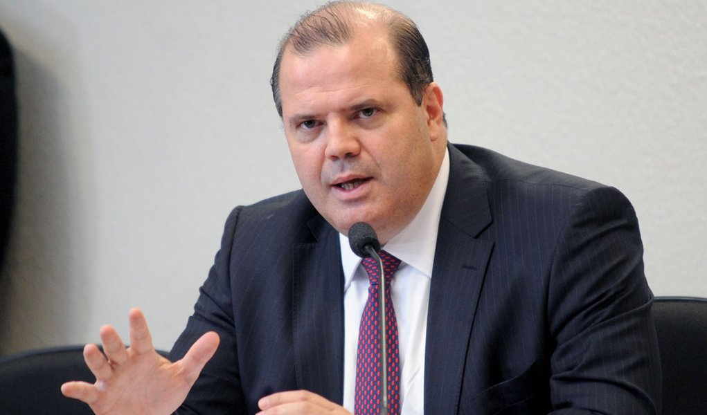 """Copom defende corte nos juros """"com parcimônia"""""""