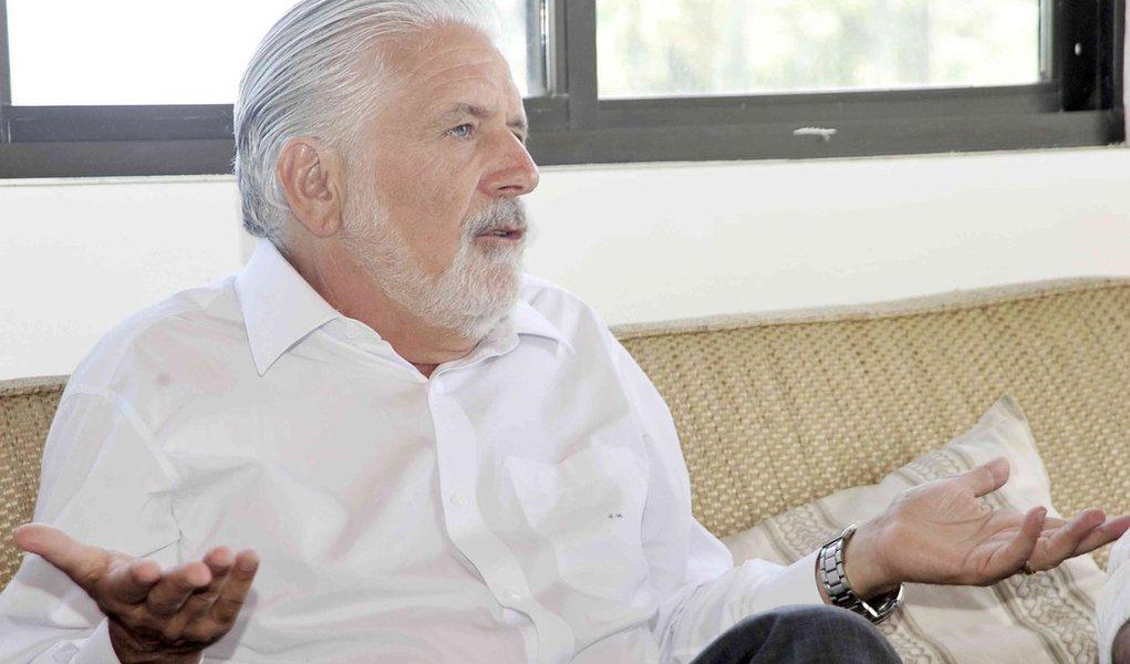 Jaques Wagner quer fazer negociação diluída com PMs