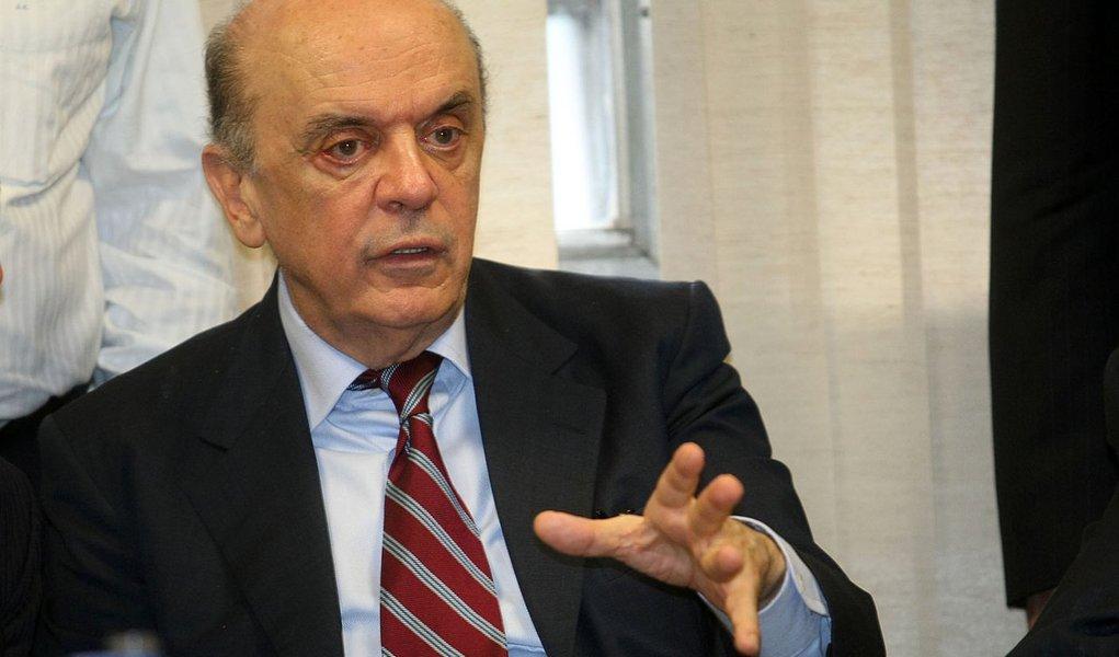"Serra: ""Governo federal está se mexendo muito por Haddad"""