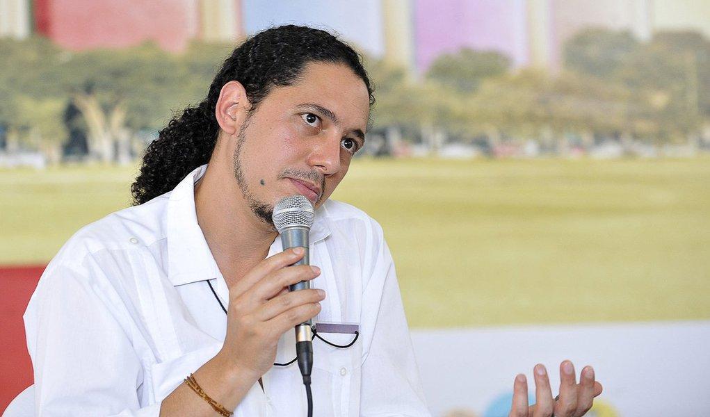 """Ondjaki: """"Sou escritor de expressão angolana e não portuguesa"""""""