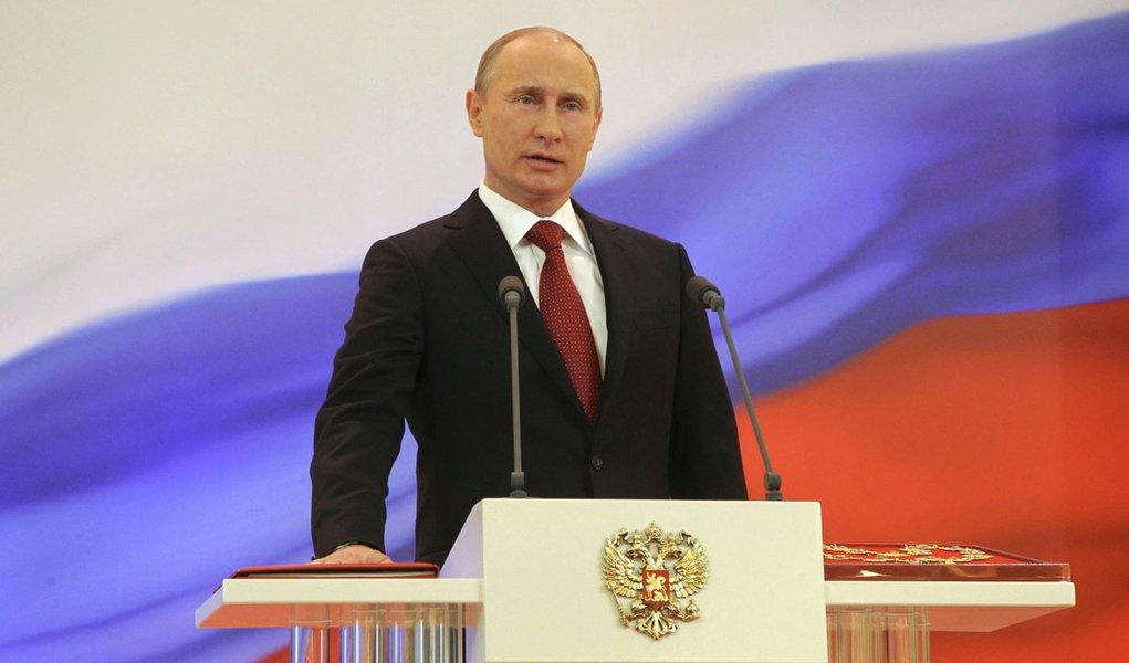 Vladimir Putin volta ao poder por mais seis anos na Rússia