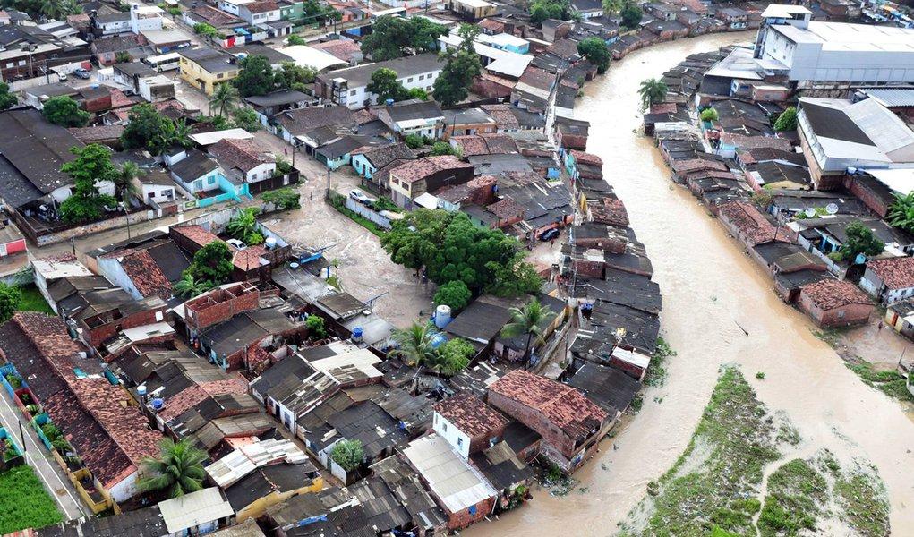Revitalização do Rio Beberibe é iniciada