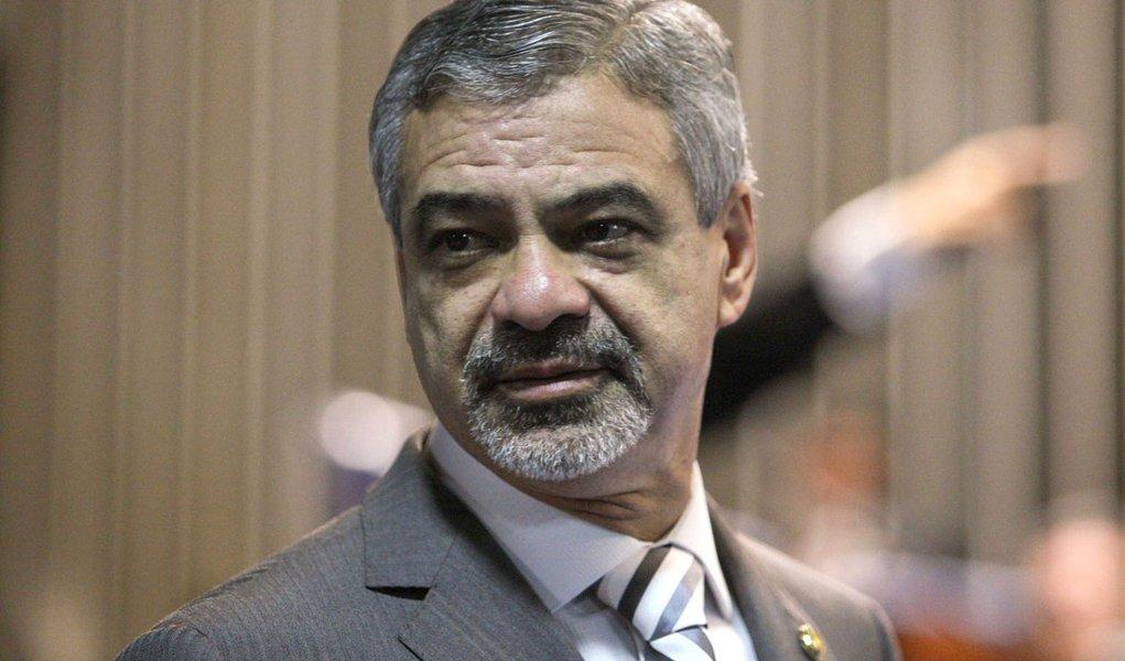 Humberto Costa quer levar procurador para a CPMI