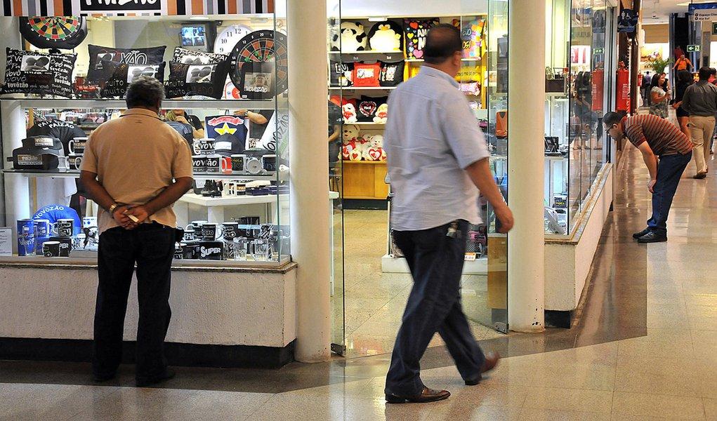 CNC: varejo perdará R$ 3,07 bi com feriados de abril