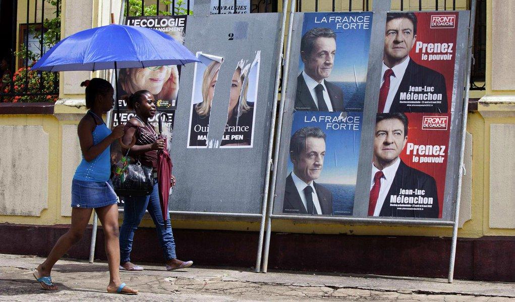 Franceses se apresentam às urnas em clima de desilusão