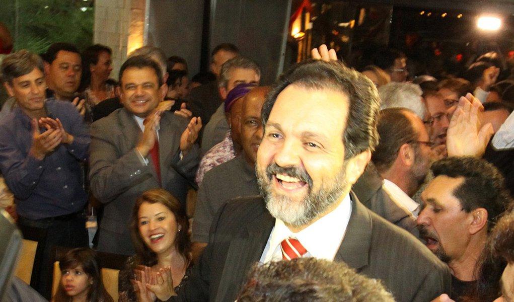 Agnelo celebra aniversário em ritmo de campanha