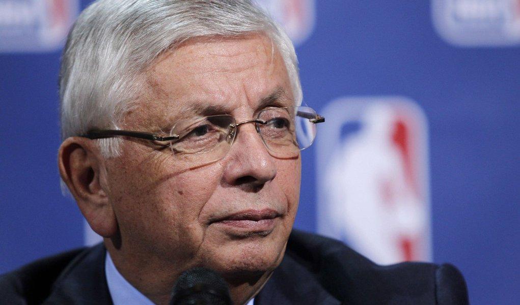 Atletas estudam proposta e impasse na NBA continua