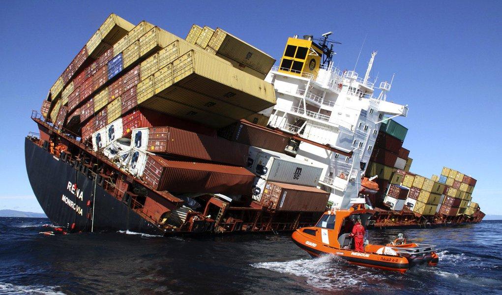 Começa a retirada da carga de naufrágio na Nova Zelândia