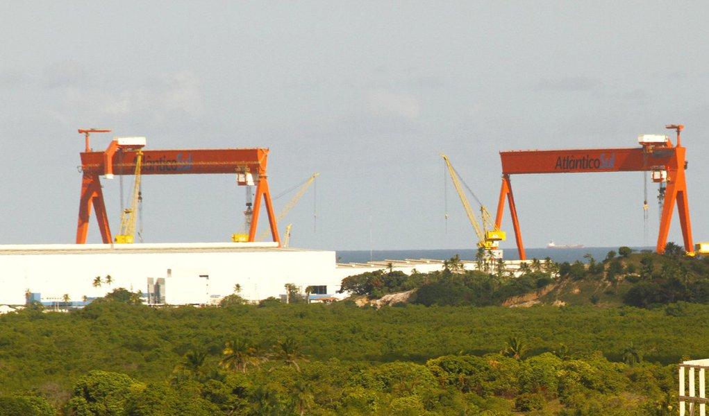 Estaleiro Atlântico Sul demite cerca de 400 funcionários