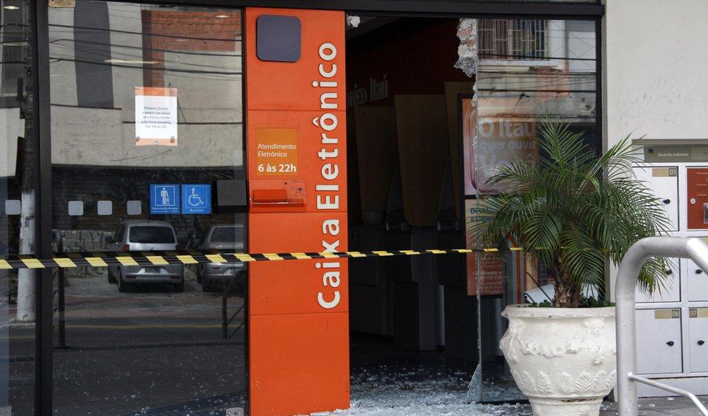 Identificados 11 envolvidos em assalto ao Itaú em São Paulo
