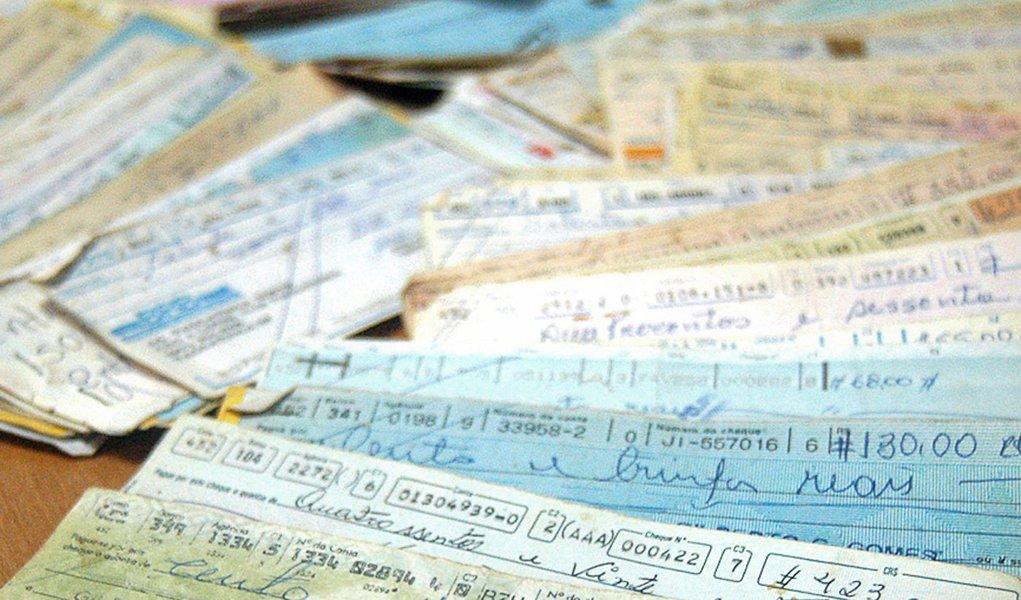 Inadimplência com cheques fica em 2,27%, diz pesquisa
