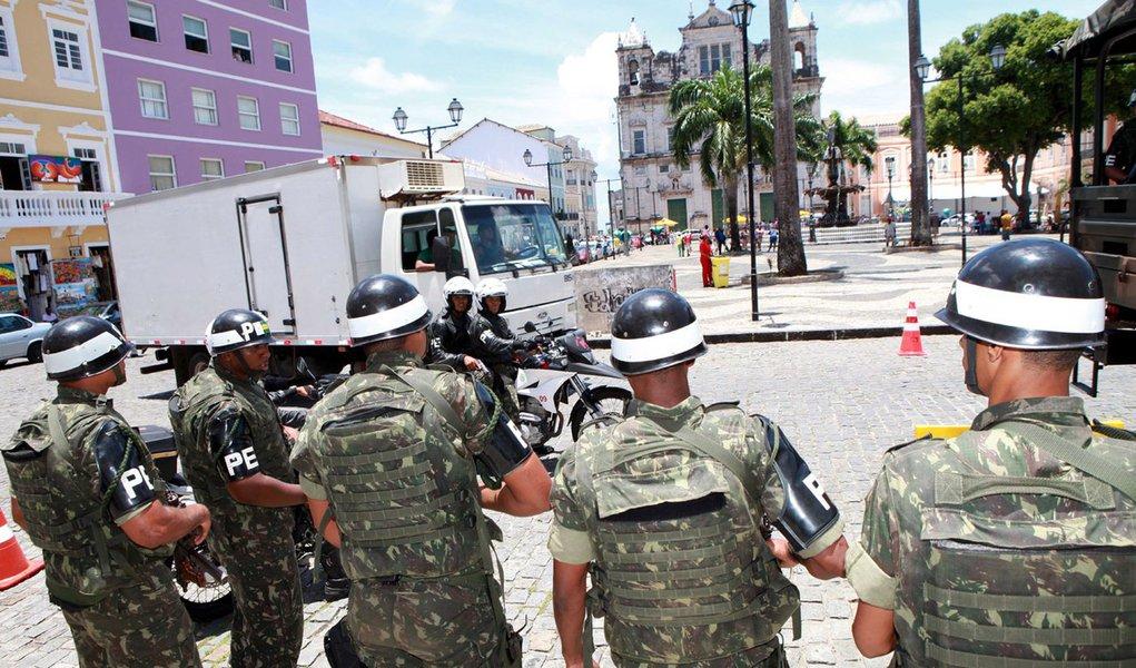 Salvador sem PM tem noite de tensão e medo