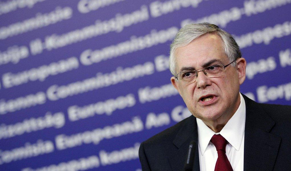 Ajuda recorde à Grécia não elimina risco de calote