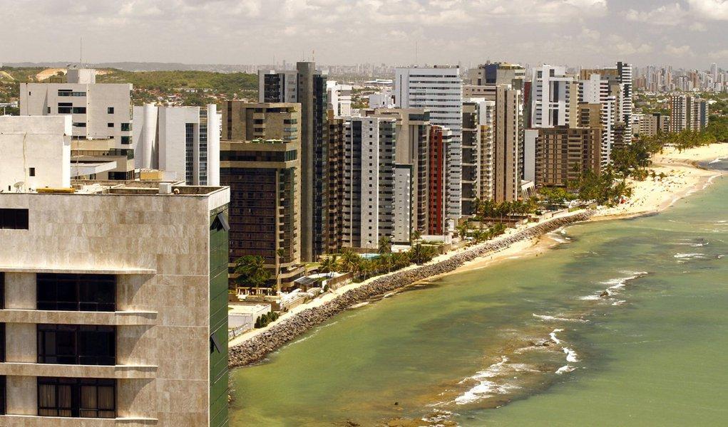 Jaboatão lança edital para engorda de suas praias
