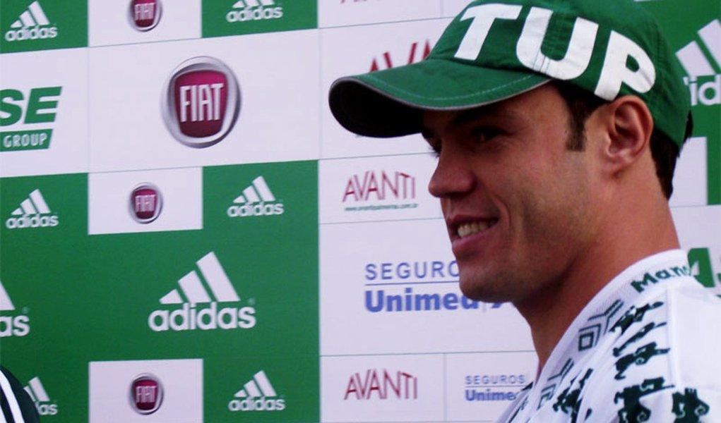 Grêmio ainda aguarda a resposta de Kleber