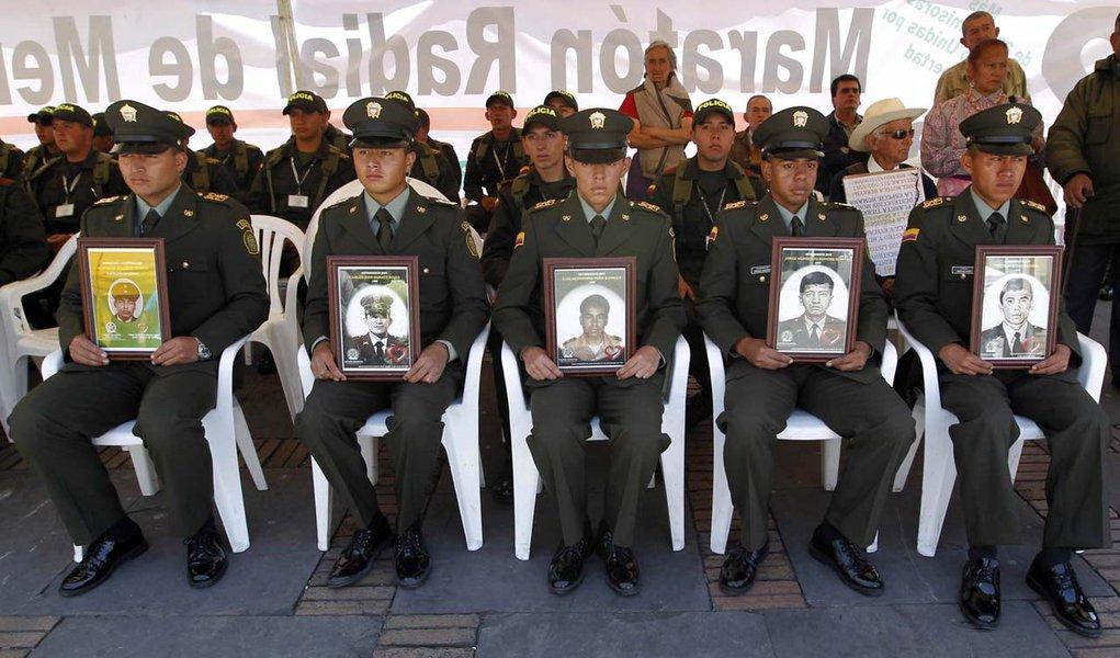 Farc anunciam fim de sequestros por dinheiro na Colômbia