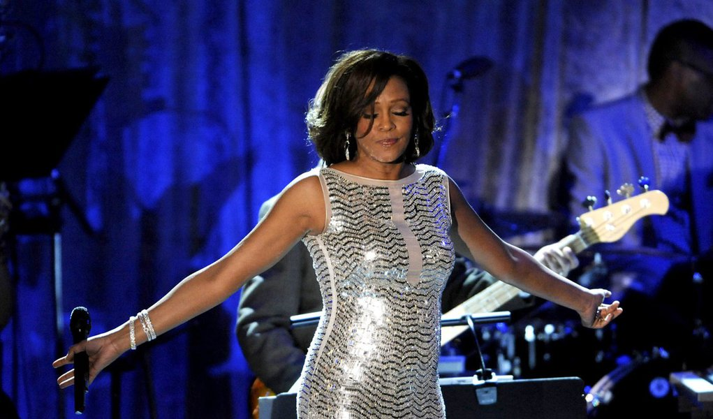 Whitney Houston pode ter morrido afogada