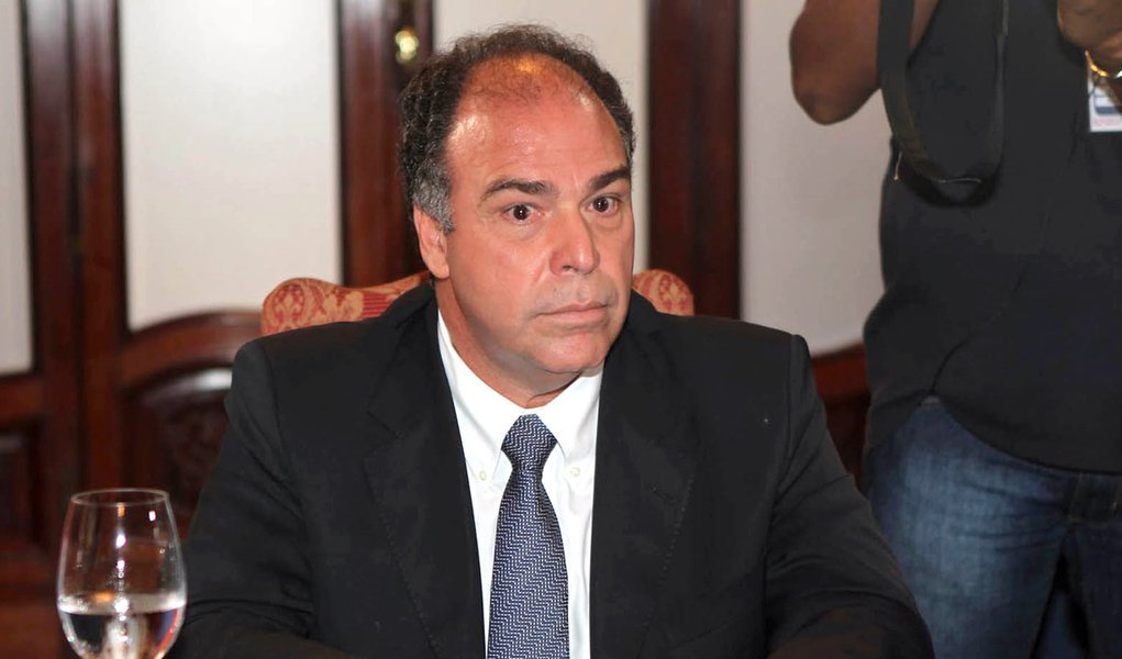 Amplia-se fogo amigo contra Bezerra Coelho