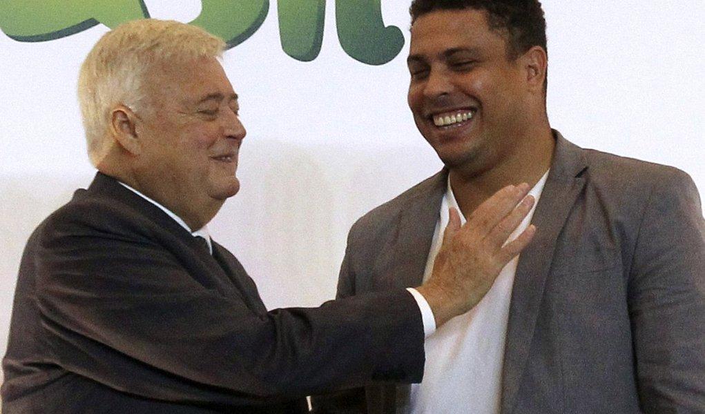 Teixeira não deixa CBF e vai acumulando apoios