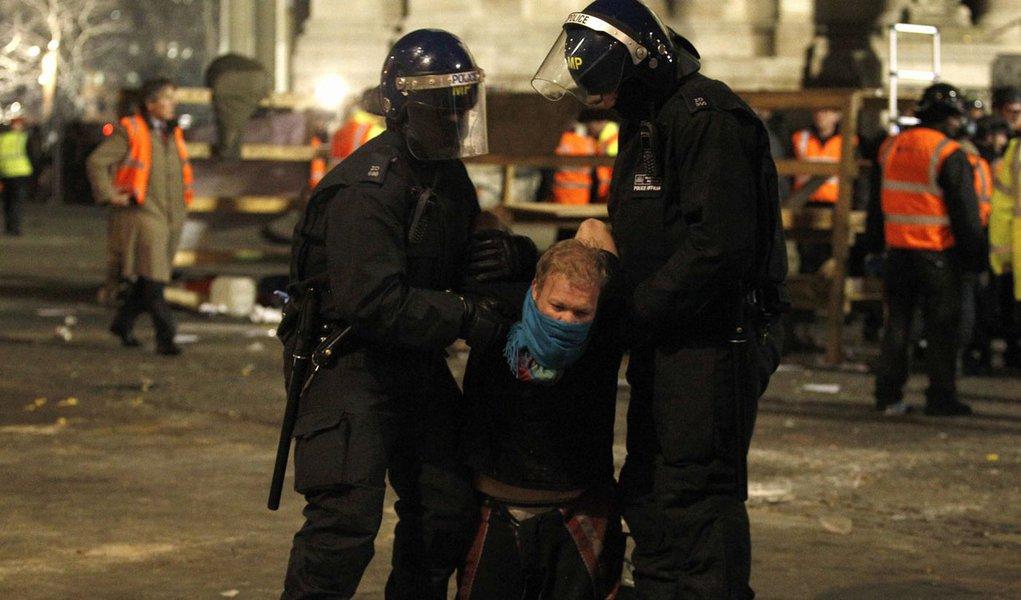Manifestantes do Ocupe Londres são despejados