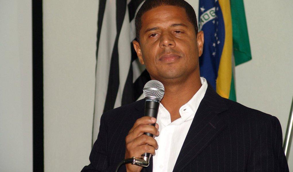 Marcelinho Carioca será candidato a vereador em 2012