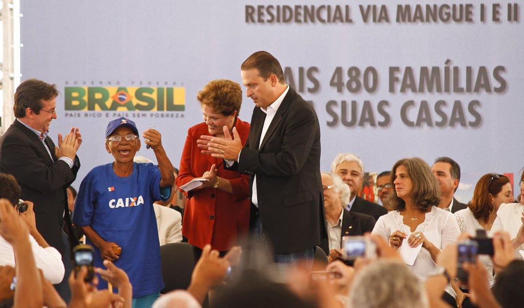 No Recife, Dilma entrega 480 moradias do PAC2
