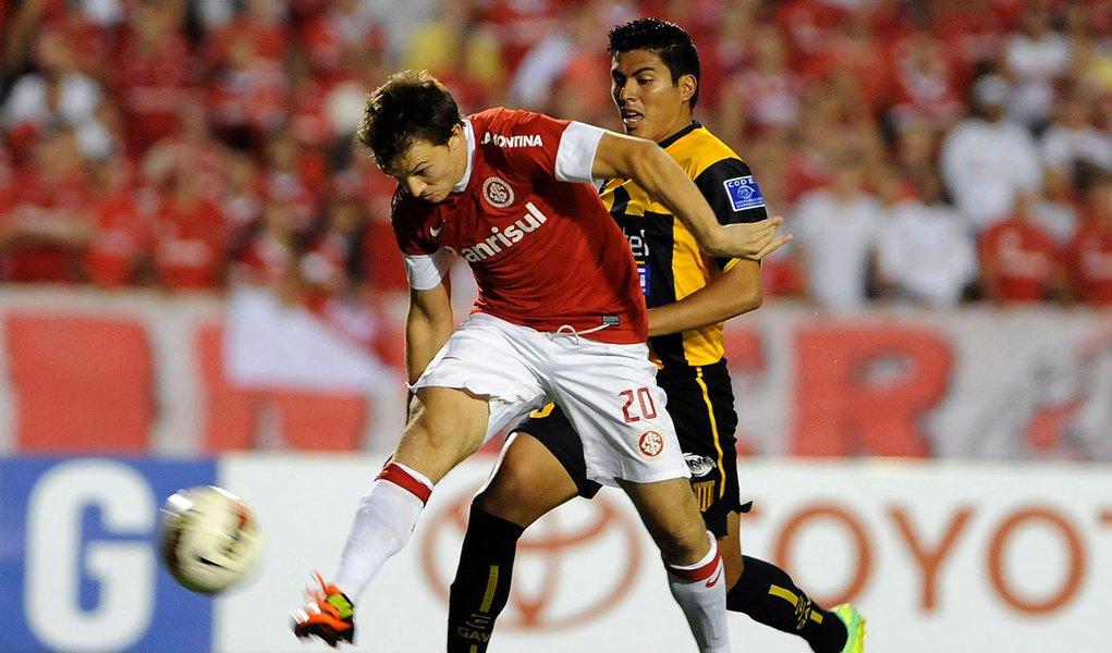 Internacional marca 5 e lidera seu grupo na Libertadores