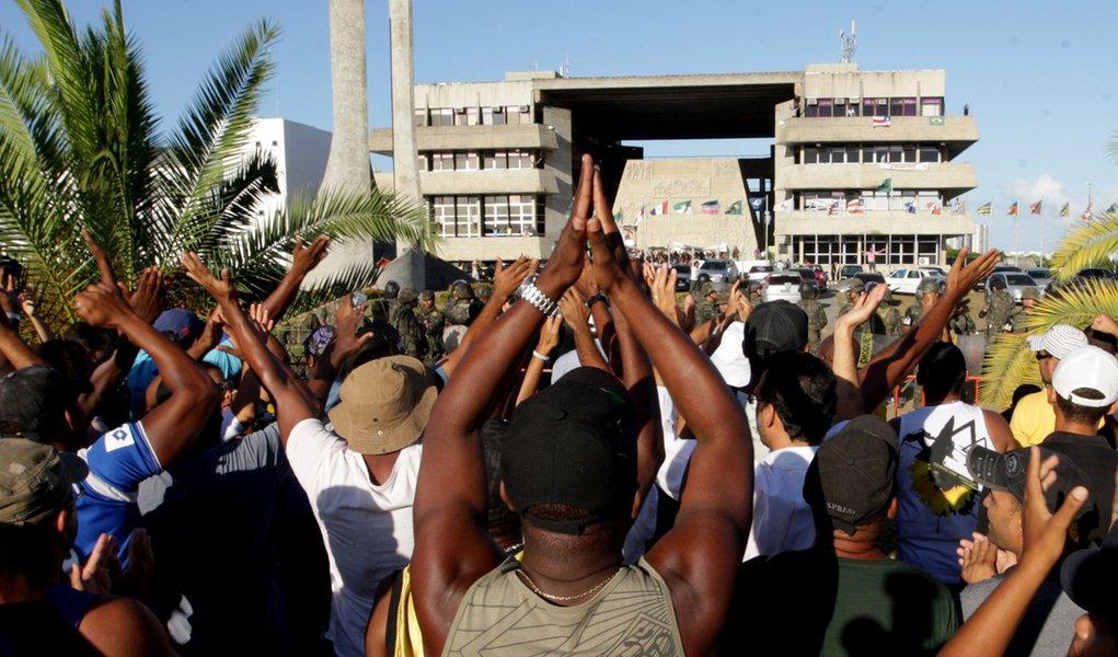 Secretário diz que gravações enfraquecem greve na Bahia