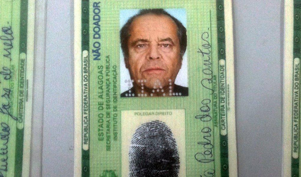 Estelionatário utilizava RG com foto de Jack Nicholson