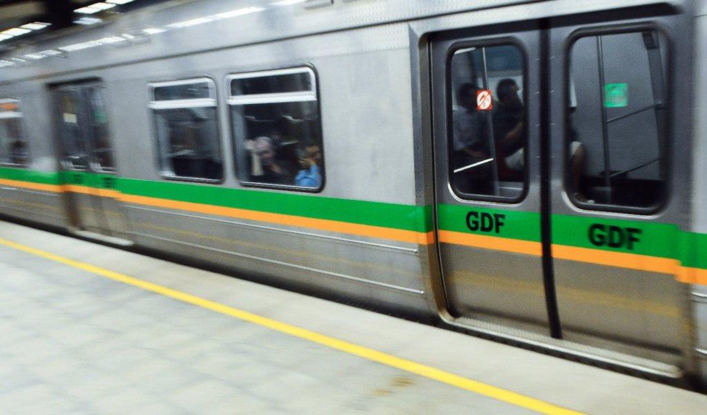 Metroviários de Brasília se defendem atacando o governo
